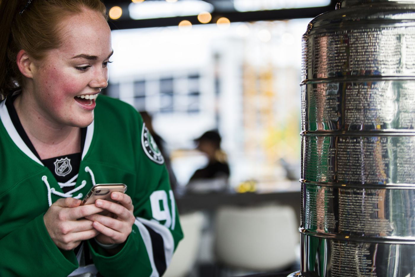 Jessi Anderson takes a look at the Stanley Cup at DIBS on VICTORY.