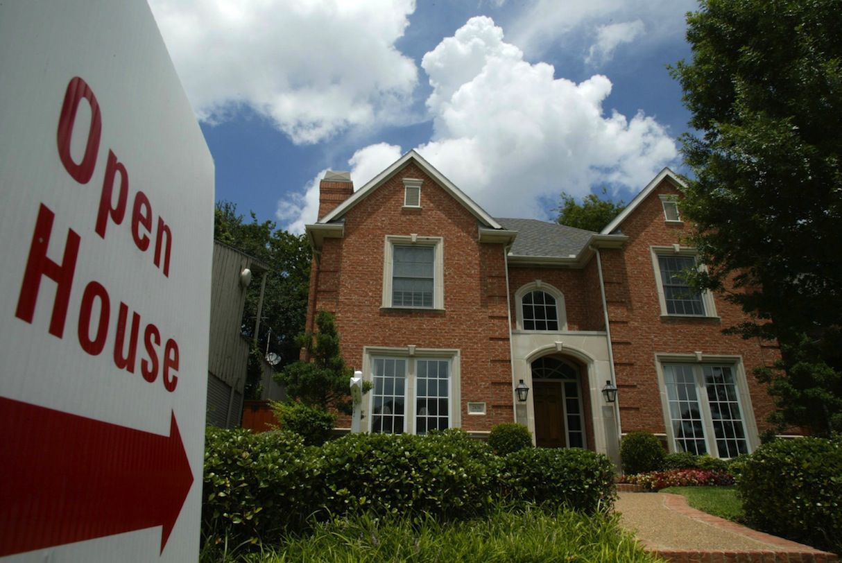 So-called ibuyer residential sales firms still have only a fraction of the market but are growing.