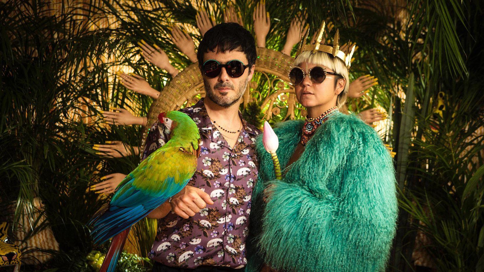 """Simón Mejía y Li Saumet lanzaron este martes el video """"Amar así"""".(CORTESÍA ORLY ANAN)"""