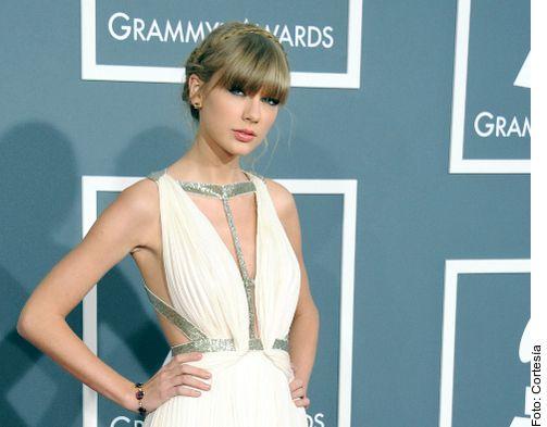 """Taylor Swift, de 29 años y quien ya había liderado esta lista en 2016 con sus exitosos disco y tour """"1989"""", recaudó unos 185 millones de dólares desde el verano pasado, afirma la publicación."""
