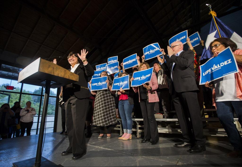 Lupe Valdez centró sus temas de campaña en educación, salarios e infraestructura durante su acto de lanzamiento ASHLEY LANDIS/DMN