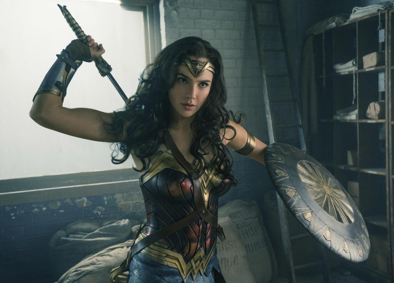 """Gal Gadot en una escena de """"Wonder Woman"""", que se estrena el 2 de junio. (AP/Clay Enos)"""