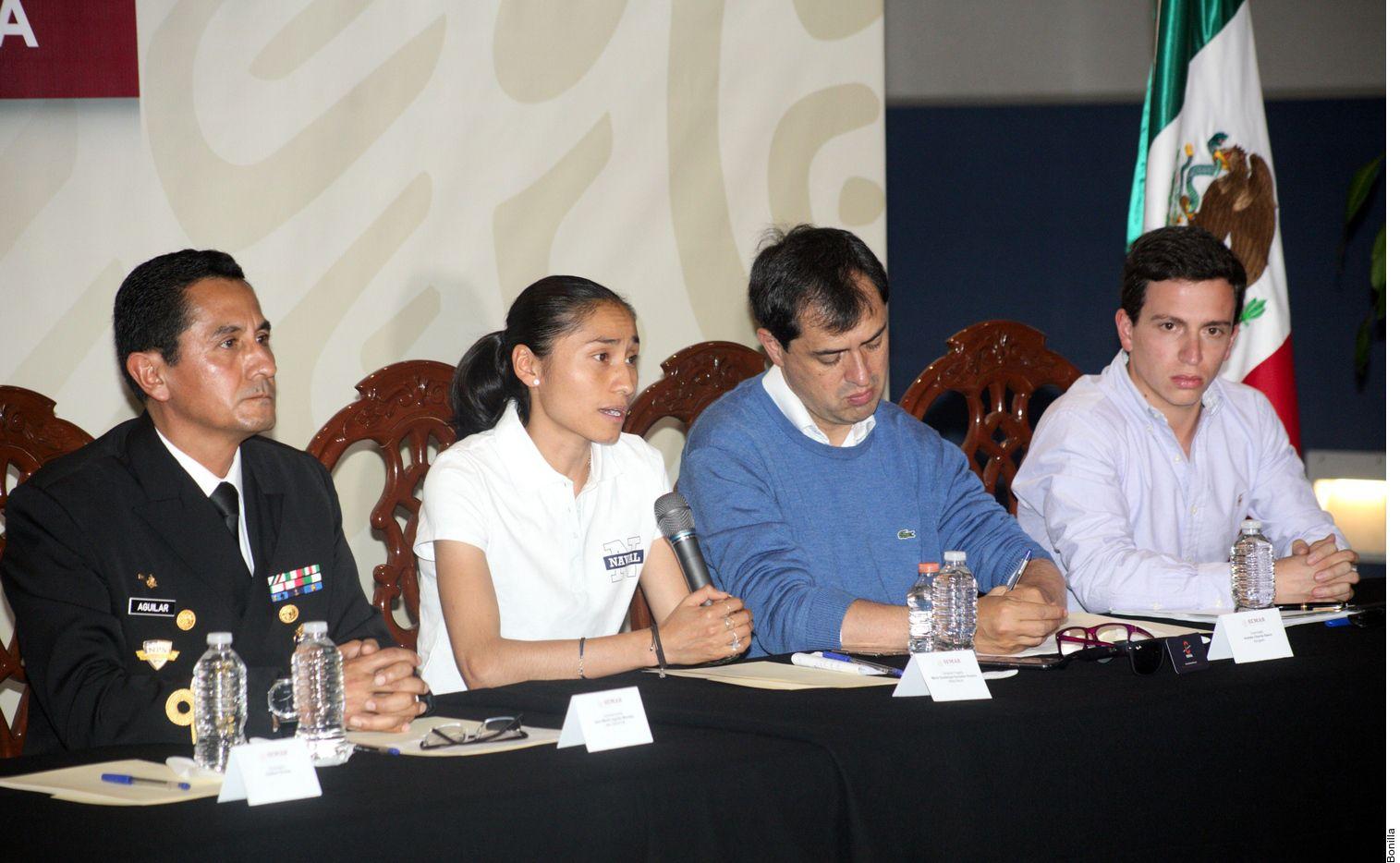 La marchista mexicana (segunda de izq. a der.) y medallista de plata en Río 2016 aseguró no haber consumido de forma voluntaria la trembolona y manifestó haber recibido una asesoría inadecuada por parte de su anterior defensa. (AGENCIA REFORMA)
