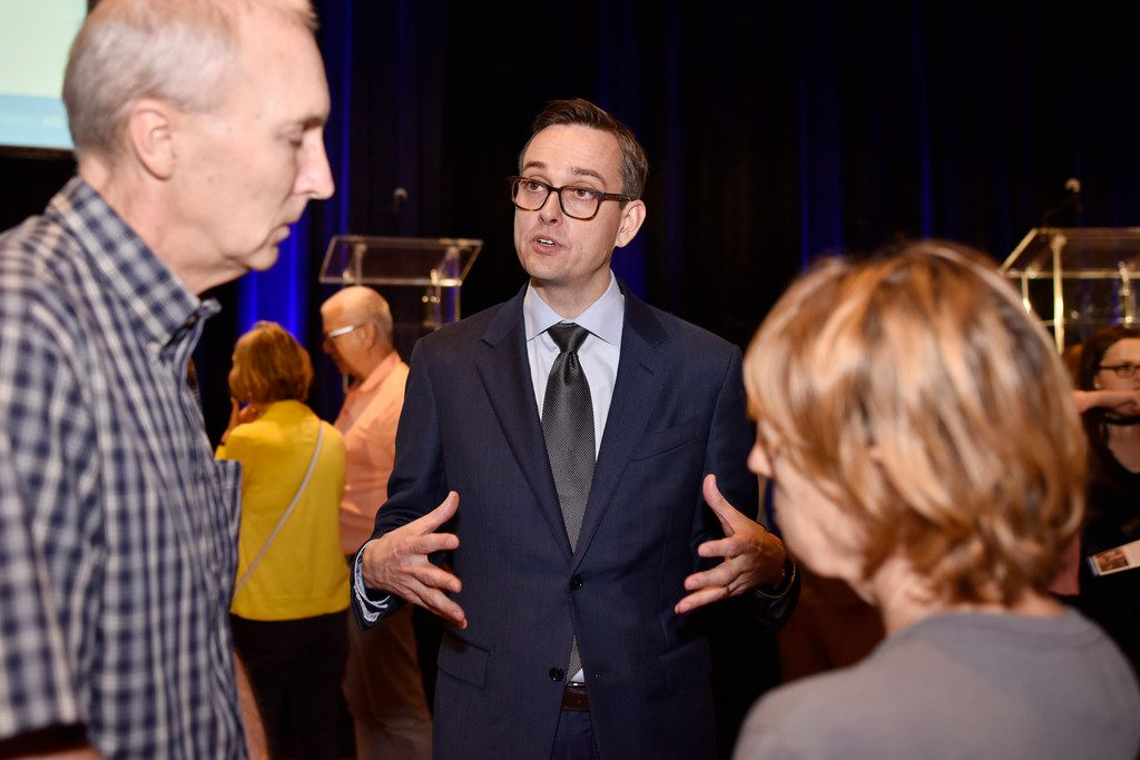 Dallas mayoral candidate Scott Griggs spoke with John and Helen Stettler after Griggs participated in a runoff forum hosted by the Jewish Community Relations Council of the Jewish Federation of Greater Dallas on May 23, 2019, at the Aaron Family Jewish Community Center in Dallas.