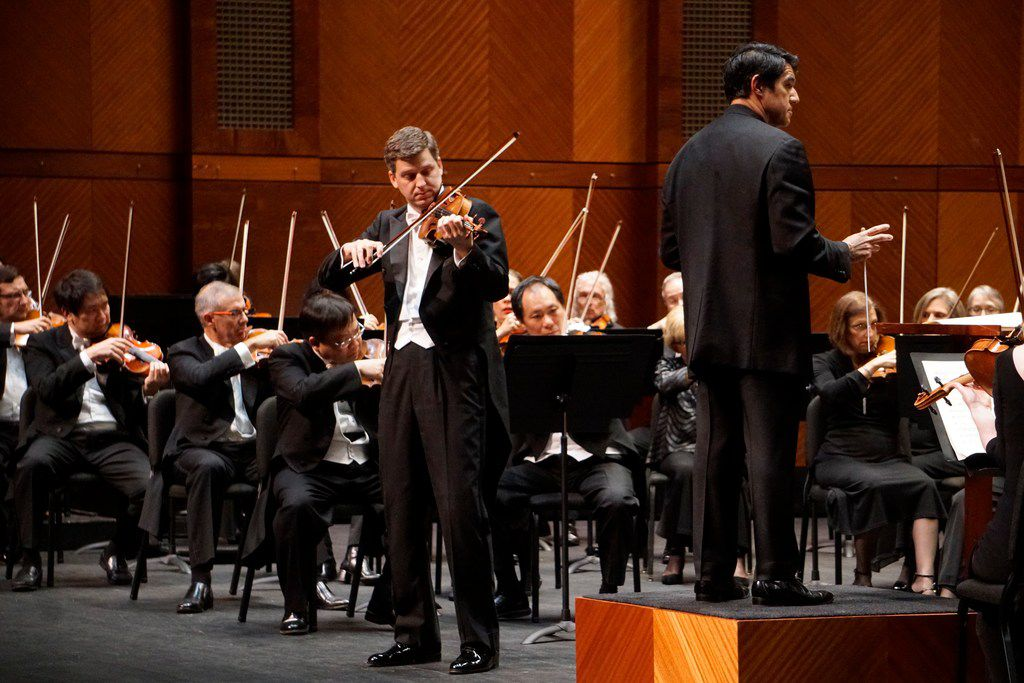 Violinist James Ehnes performs with the Fort Worth Symphony Orchestra, led by music director Miguel Harth-Bedoya, at the Bass Performance Hall in Fort Worth on Friday.