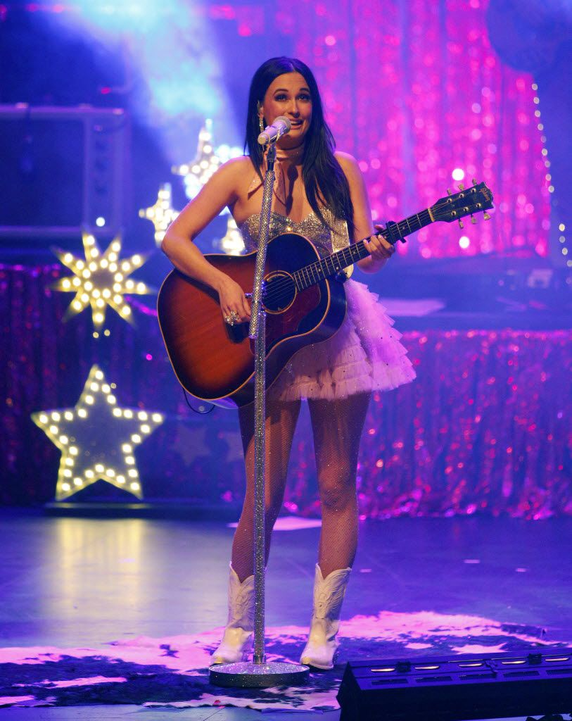 """Kacey Musgraves delivered a knock-em-dead acoustic performance of her first hit, """"Merry 'Go Round"""" at the Majestic Theatre in Dallas on Jan. 21."""