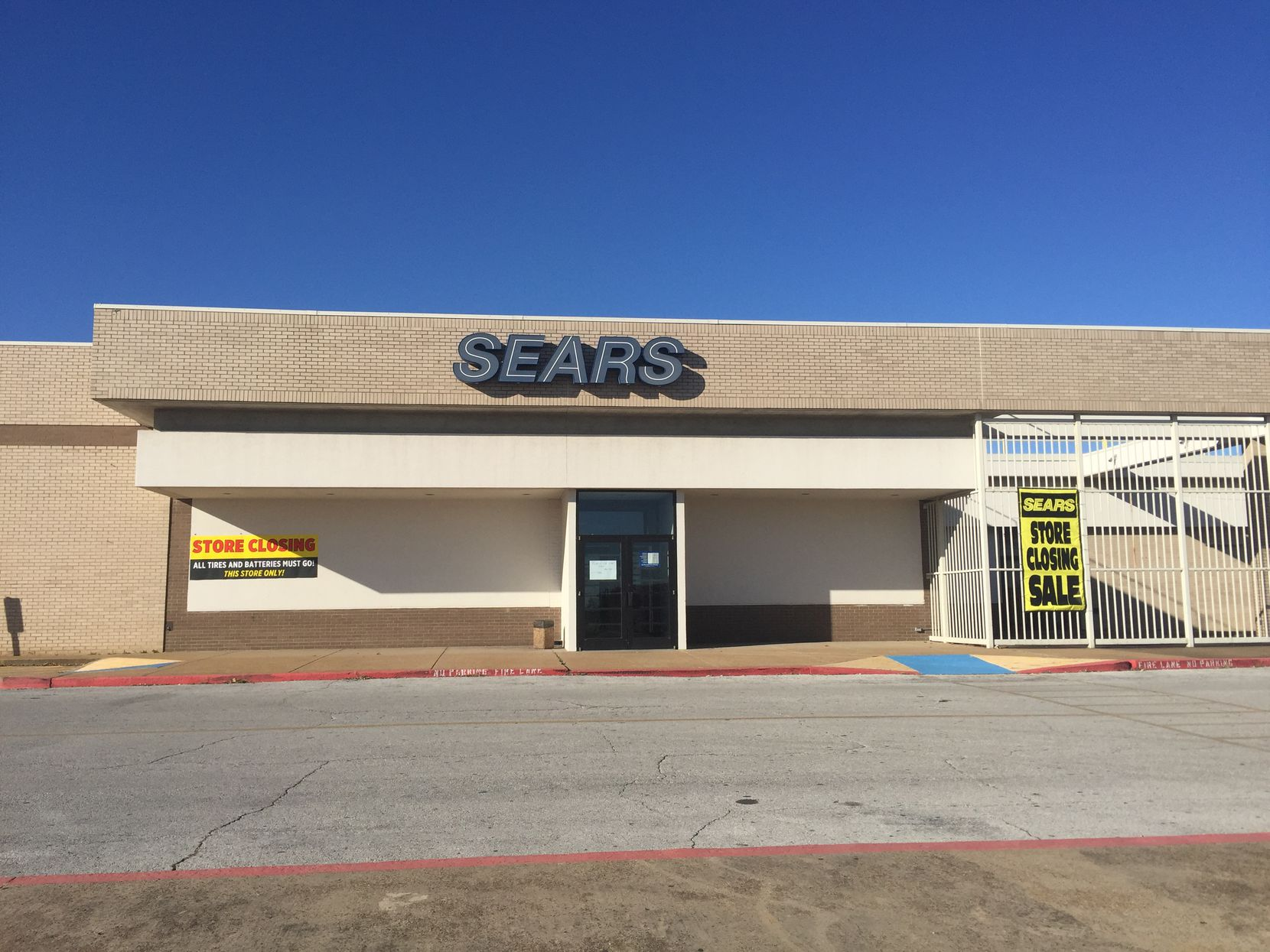Sears closing at Southwest Center Mall in Dallas.