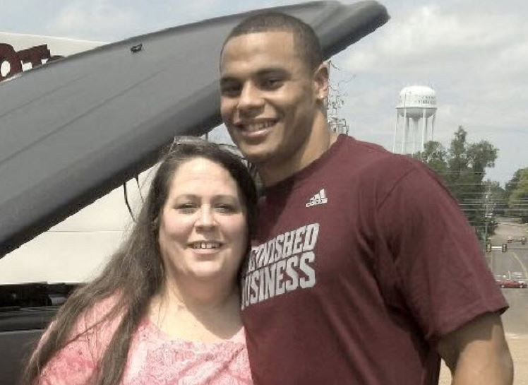 the best attitude 52ccb 21f24 Dak Prescott launches T-shirt campaign in honor of mother's ...