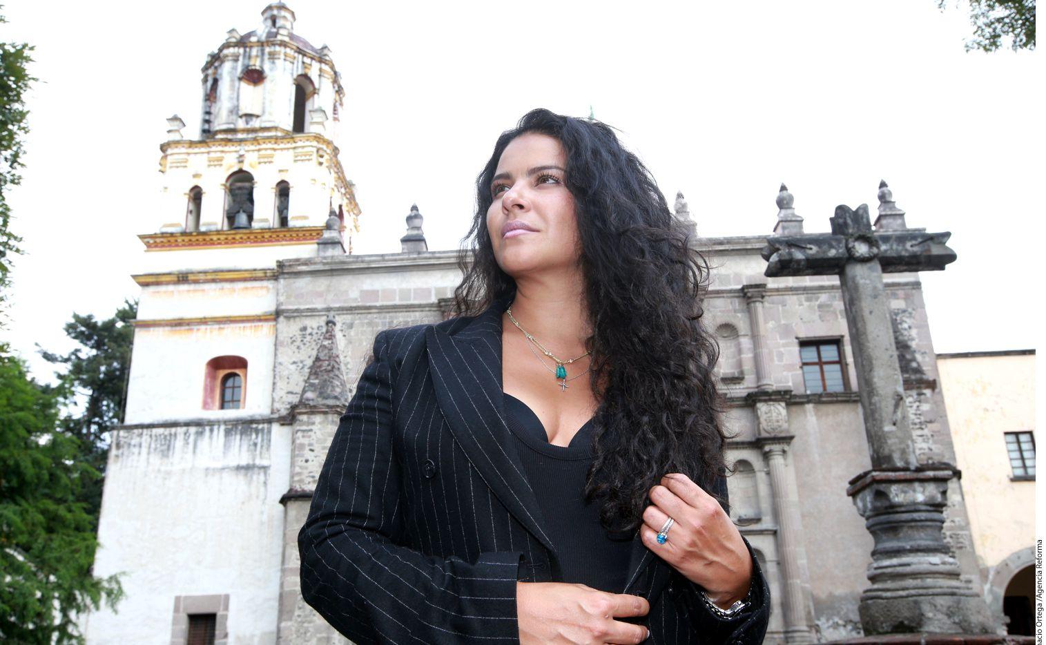 Para encarnar al personaje de Aracely Paniagua en las tres temporadas de Señora de Acero, Litzy pidió consejos a un General retirado del Ejército mexicano: su padre./AGENCIA REFORMA
