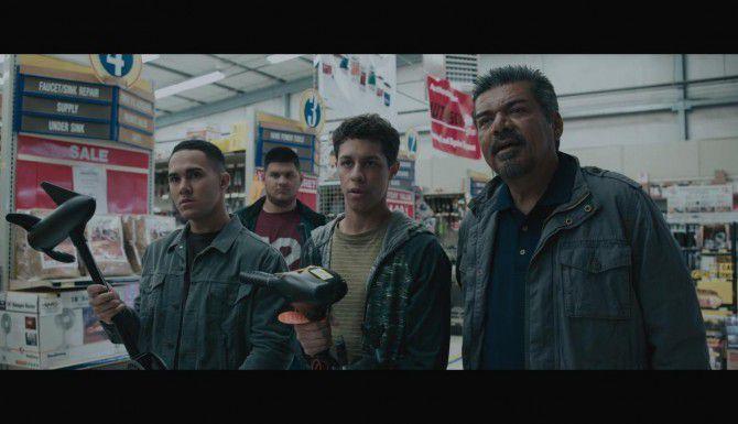 """George López protagoniza """"Spare Parts"""", una película sobre un grupo de jóvenes que gana un concurso de robótica (LIONSGATE/FOTOS: CORTESÍA)"""