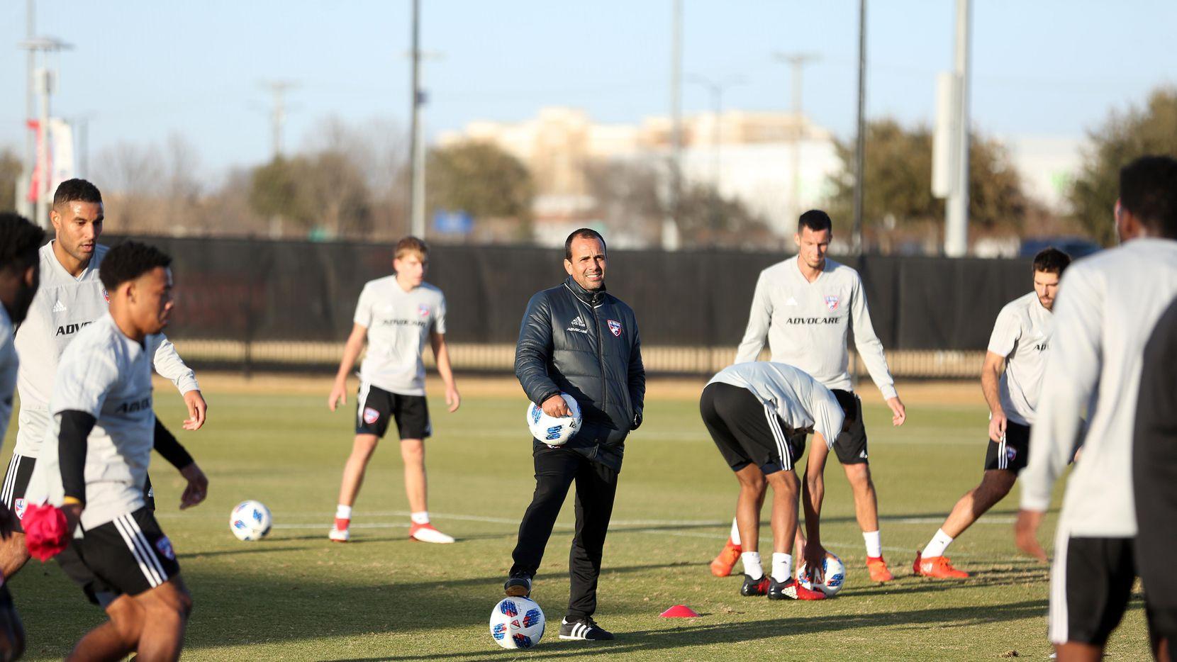 Oscar Pareja iniciará su quinta campaña en el banquillo del FC Dallas. (ESPECIAL PARA AL DÍA/OMAR VEGA)