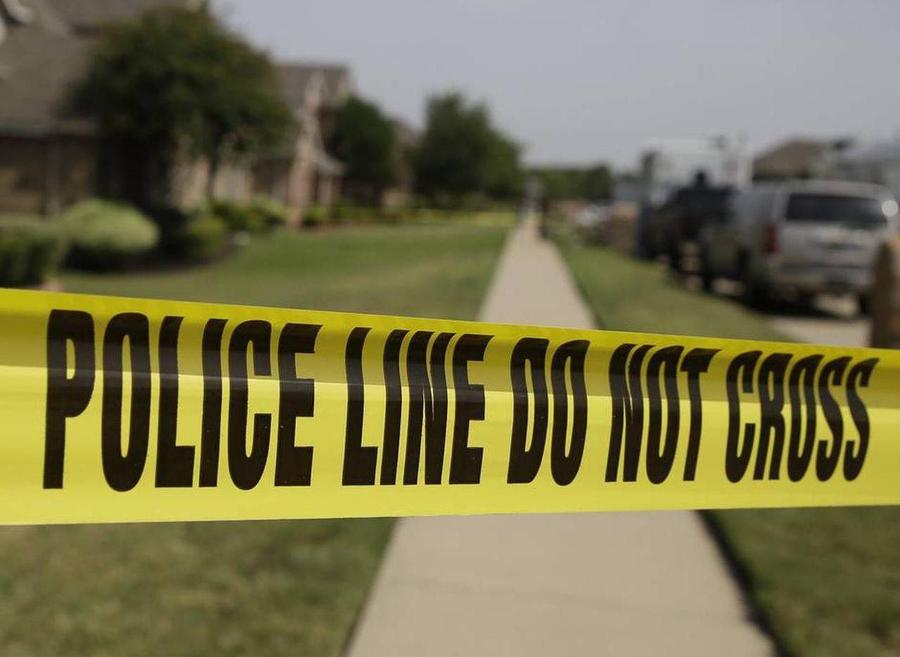 Un hijo habría matado a su padre en Plano y luego se cree que huyó a México.