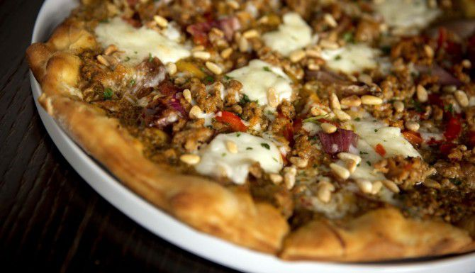 En California, un hombre tendrá pizza todo el año por devolver $1,300 en efectivo. (DMN/G.J. McCARTHY)