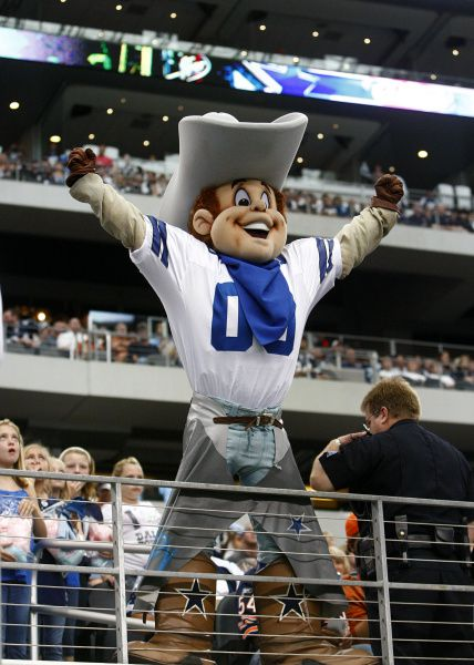 low priced fc335 d2b3b Dallas Cowboys kick off fun for kids with Kids Zone
