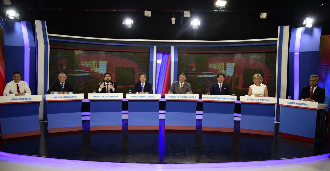 Los candidatos presidenciales de Ecuador tuvieron un debate el domingo pasado. (AFP/GETTY IMAGES/RODRIGO BUENDIA)