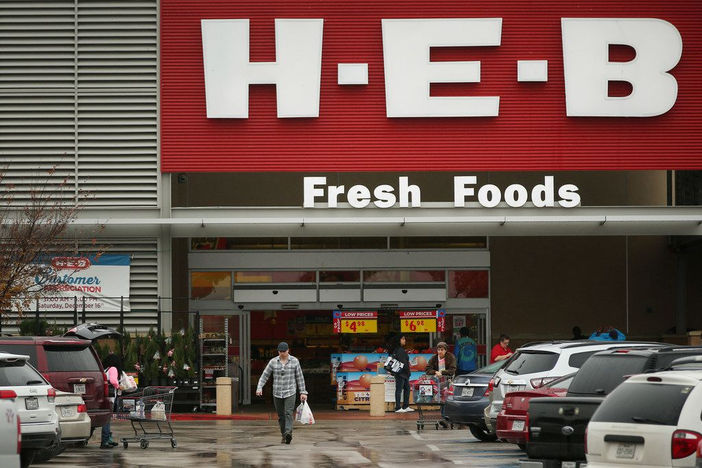 An exterior view of the H-E-B grocery store along U.S. Highway 77 in Waxahachie, Texas.
