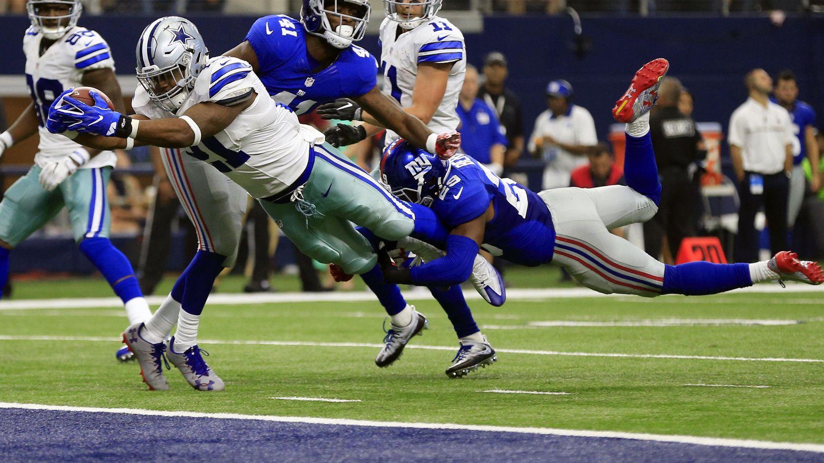 Ezekiel Elliott (21) podrá jugar este domingo con los Cowboys ante los Giants en la Semana 1 de la NFL. Dallas ha perdido sus últimos tres juegos ante Nueva York. (AP/Ron Jenkins)