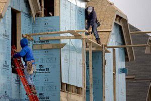 Texas' construction industry lost 5,300 jobs in February, the third-most of any sector. (G.J. McCarthy/Staff Photographer)