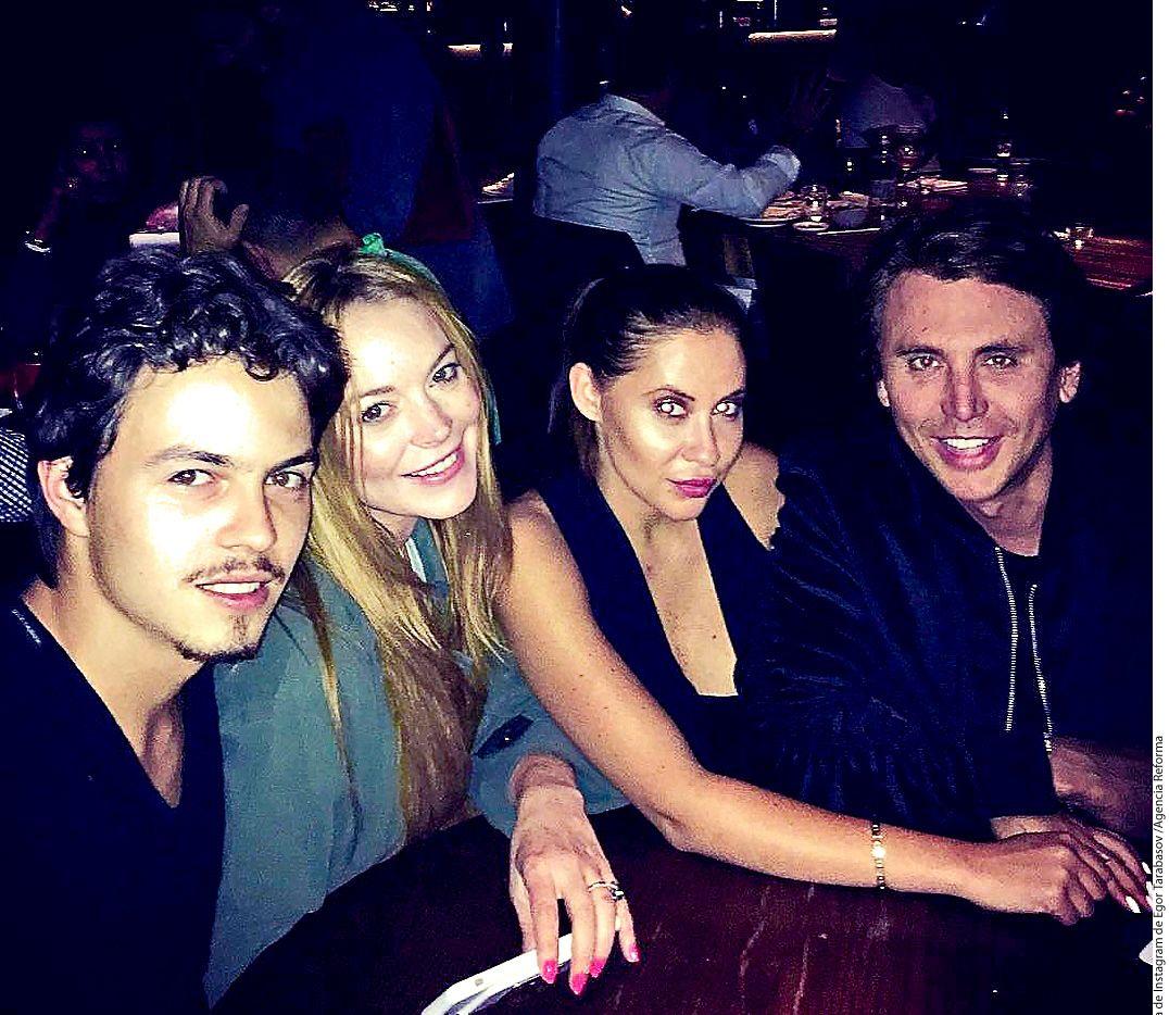 La actriz Lindsay Lohan (segunda de izquierda a derecha) dijo en una entrevista que Egor Tarabasov (primero de izquierda a derecha) ha sido abusivo en varias ocasiones y que su relación puede haber terminado por completo./AGENCIA REFORMA