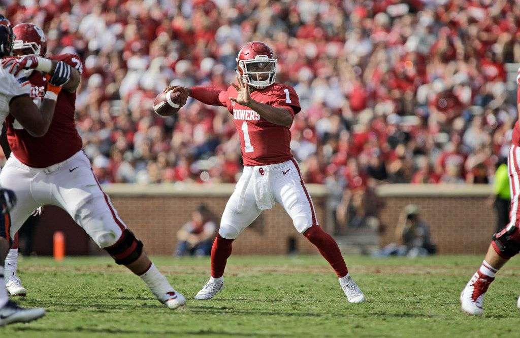 Quarterback Kyler Murray #1 of the Oklahoma Sooners looks to throw against the UTEP Miners at Gaylord Family Oklahoma Memorial Stadium on September 2, 2017 in Norman, Oklahoma. Oklahoma defeated UTEP 56-7. (Photo by Brett Deering/Getty Images)