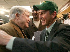 Longtime Baylor football coach Grant Teaff (left), welcomed Art Briles when Briles was named head coach in 2007. (File Photo/Waco Tribune-Herald)