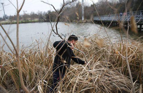 Miguel Arriga participó en la búsqueda de su prima Weltzin, el jueves 7 de febrero por la tarde. RYAN MICHALESKO/DMN