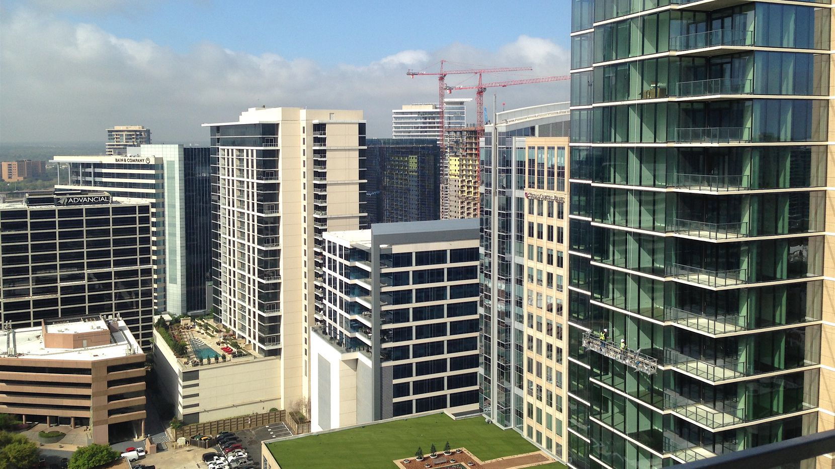 A start-up hotel firm is turning empty apartments in new high-rise residential buildings into luxury hotel spots.