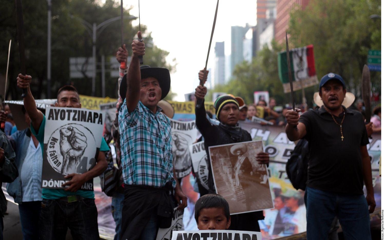 Emiliano Navarrete, papá del normalistas desaparecido José Ángel Navarrete González, criticó que no existen evidencias que los alumnos desaparecidos de Ayotzinapa están muertos. Foto AGENCIA REFORMA