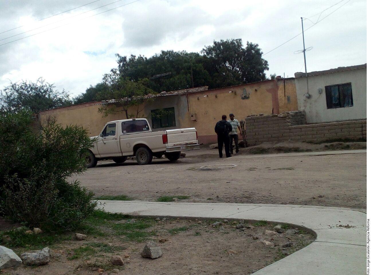 Juan Rodríguez Azpeitia llegó a su natal Palo Alto, en el Municipio de El Llano, una localidad de 6 mil personas. Su esposa Patricia y sus 5 hijos se quedaron en Texas. Foto AGENCIA REFORMA