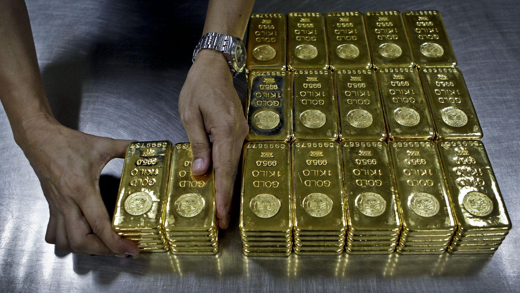 Una operación de lavado de dinero utilizó más de $1,000 millones de oro explotado ilegalmente. AP