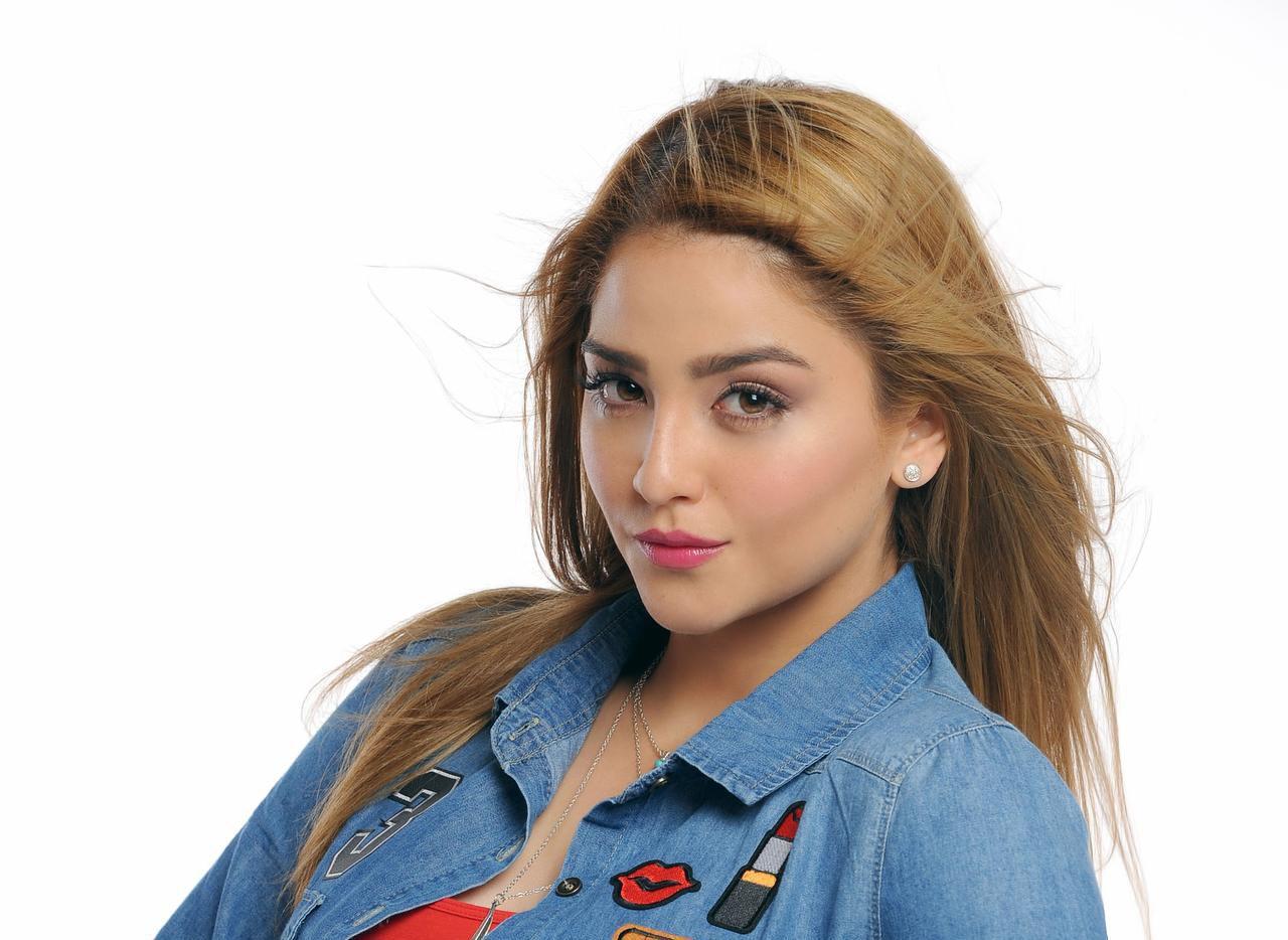 """Geraldine Galván interpreta a Chiquis Rivera en la serie """"Su Nombre era Dolores: La Jenn que yo conocí"""".(LATIN ICONOS)"""