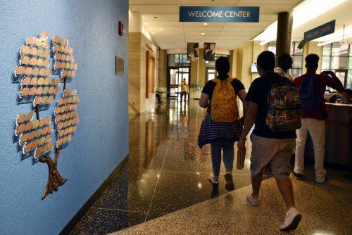 El Centro College es una de las instituciones que se beneficiaría con las becas para estudiantes con DACA en donación de Jeff Bezos. BEN TORRES/ESPECIAL PARA AL DÍA