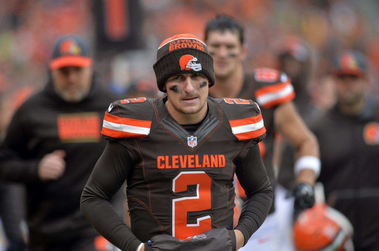 El quarterback de los Cleveland Browns, Johnny Manziel. (AP/David Richard)