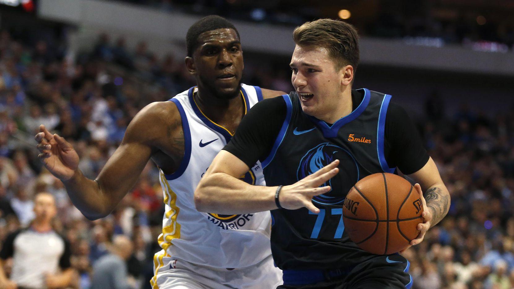 Luka Doncic (77) era del interés de los Mavericks desde que tenía 14 años. (AP/Ron Jenkins)