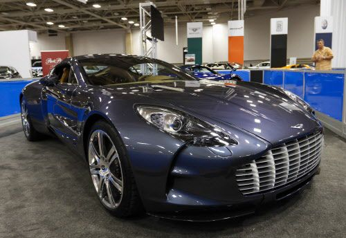 El Car Show de North Park Mall tiene Alfa Romeo, Aston Martin, Audi, Bentley, BMW, Jaguar, Land Rover, Lexus, McLaren, Mercedes-Benz y otras marcas en exhibición. (Jim Tuttle/The Dallas Morning News)