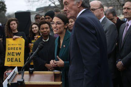 La representante demócrata Alexandria Ocasio-Cortez de Nueva York a impulsado el Nuevo Acuerdo verde. (Alex Wong/Getty Images)