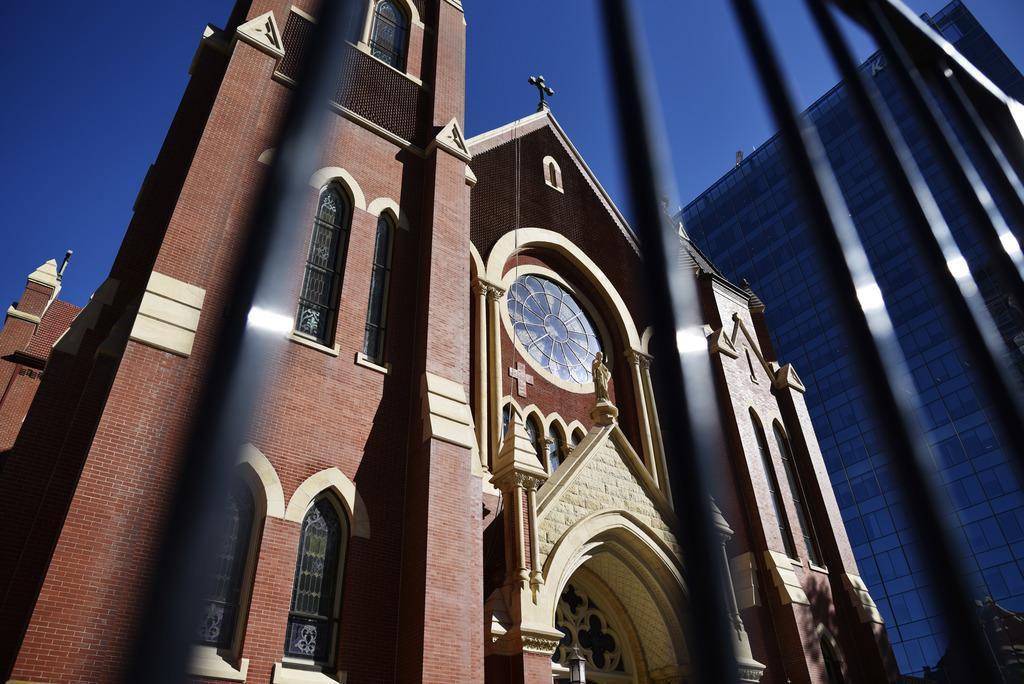 Las misas dominicales reflejaron el sentir general de los católicos en Dallas pocos días después de un allanamiento de la sede de la diócesis. (DMN/DMN)
