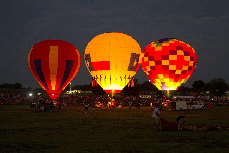 El Grand Prairie BalloonaPalooza es este fin de semana en el Lone Star Park de Grand Prairie . Fotos DMN
