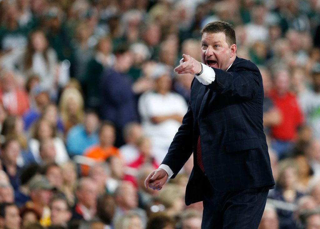 Texas Tech Red Raiders head coach Chris Beard communicates to one of his players during the second half of play in the semifinals of the Final Four NCAA college basketball tournament at U.S. Bank Stadium in Minneapolis on Saturday, April 6, 2019. Texas Tech Red Raiders defeated the Michigan State Spartans 61-51. (Vernon Bryant/The Dallas Morning News)