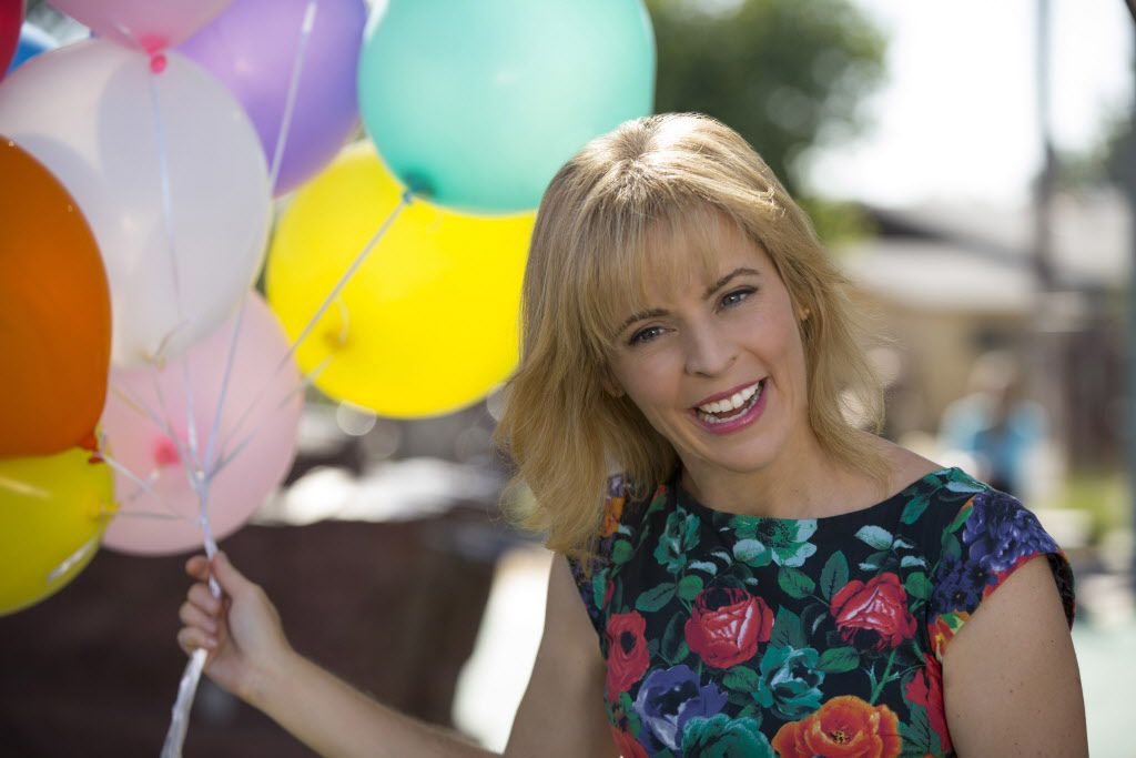 """Smile!  Maria Bamford stars as herself in """"Lady Dynamite,"""" the Netflix comedy inspired by her life.  (Doug Hyun, Netflix)"""