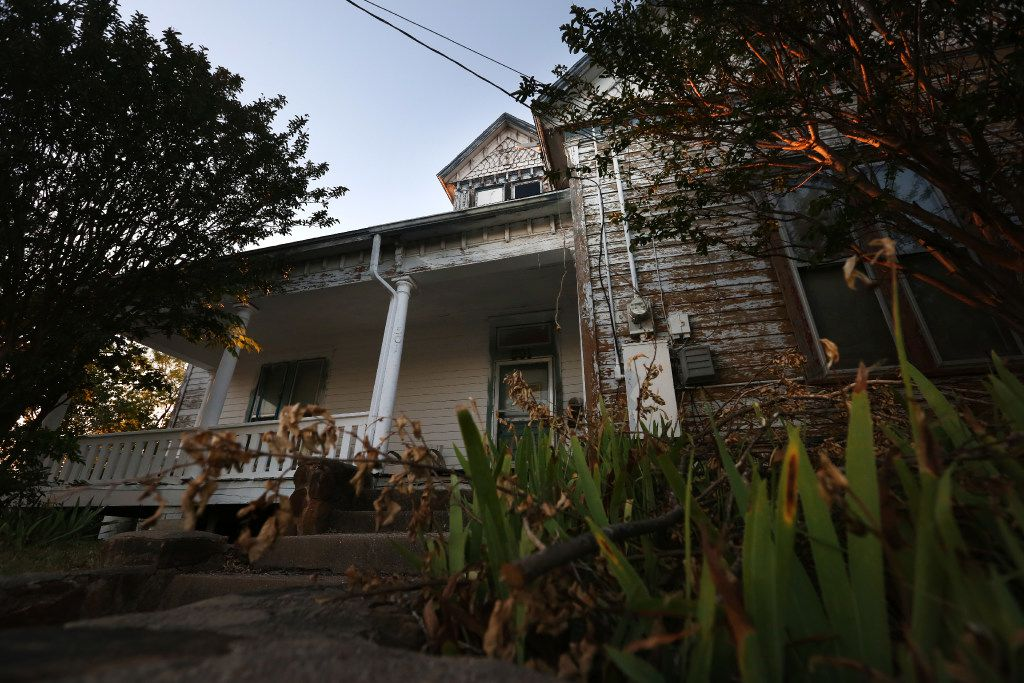 The Haunted Hill House in Mineral Wells is for sale.