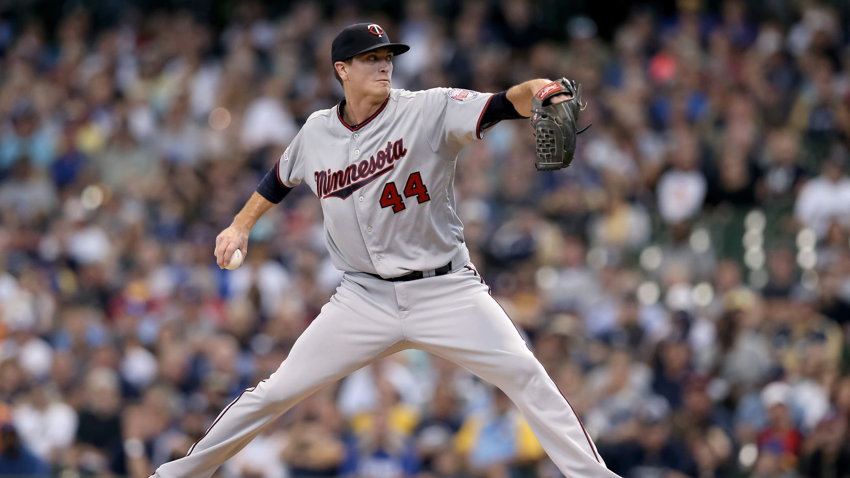 Kyle Gibson #44 of the Minnesota Twins pitches in the second inning against the Milwaukee Brewers at Miller Park on August 14, 2019 in Milwaukee, Wisconsin.