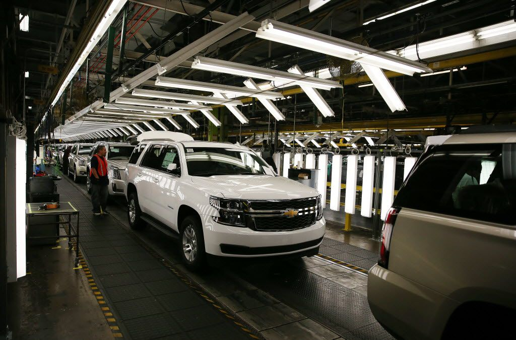 The General Motors assembly plant in Arlington is running three shifts to produce SUVs, which are helping to generate record profits for the company. (Andy Jacobsohn/The Dallas Morning News)