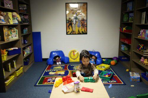 El desconocimiento del sistema de salud y del idioma juegan en contra de que niños hispanos obtengan un diagnóstico temprano. BEN TORRES/ESPECIAL PARA AL DÍA