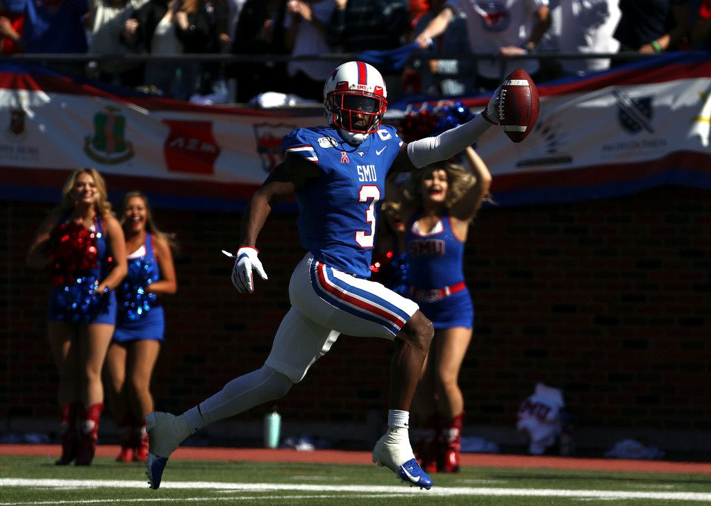 DALLAS, TEXAS - NOVEMBER 09:  James Proche #3 of the Southern Methodist Mustangs runs for a touchdown against the East Carolina Pirates in the first half at Gerald J. Ford Stadium on November 09, 2019 in Dallas, Texas. (Photo by Ronald Martinez/Getty Images)