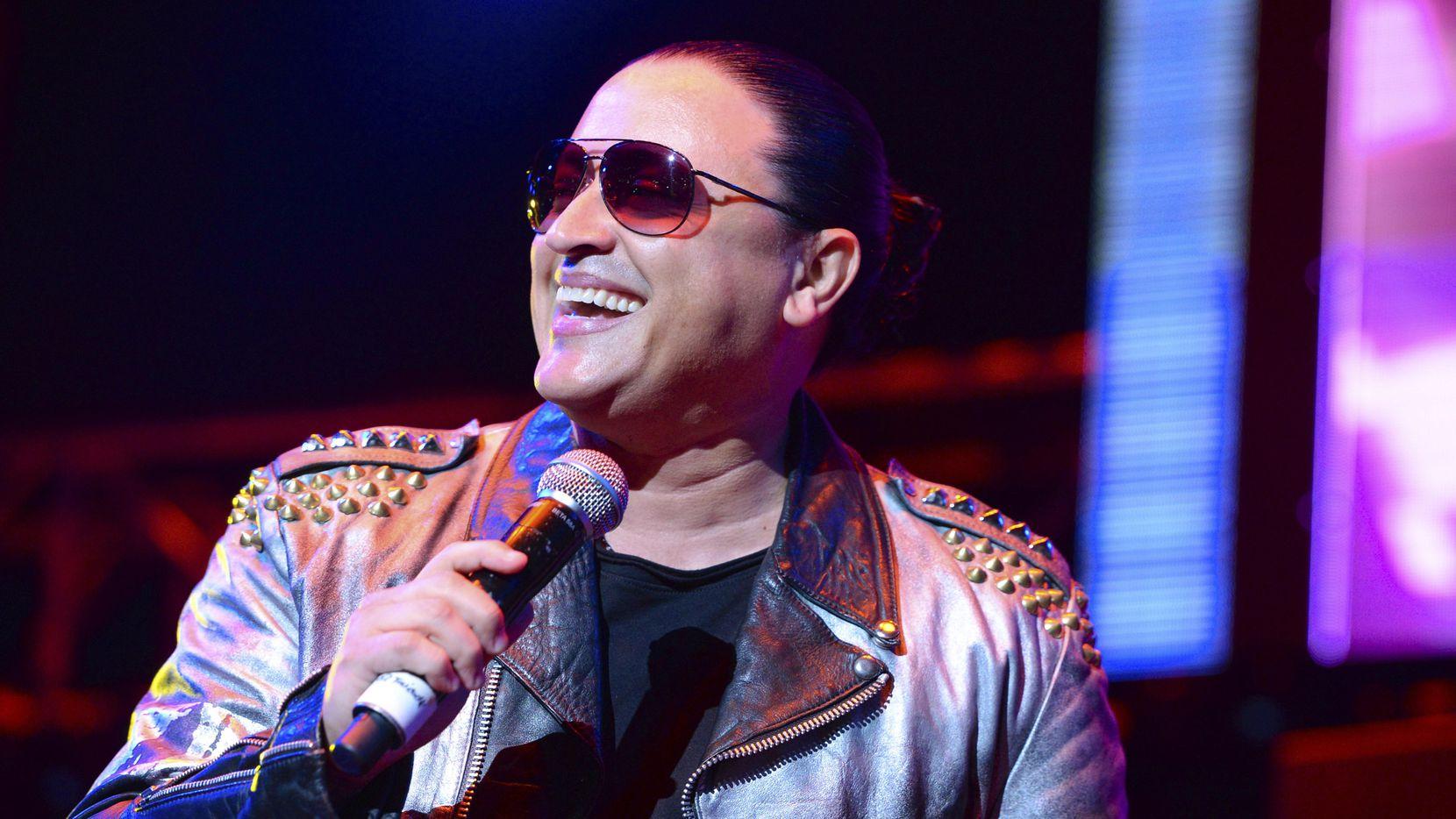 El cantante Elvis Crespo presenta álbum que rinde homenaje a Diómedes Días. AP