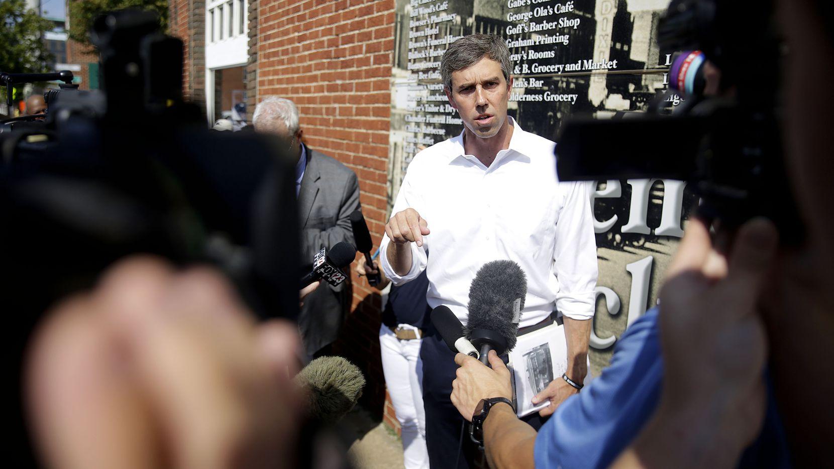 El candidato demócrata Beto O'Rourke visitó el Greenwood District en Tulsa, Oklahoma.