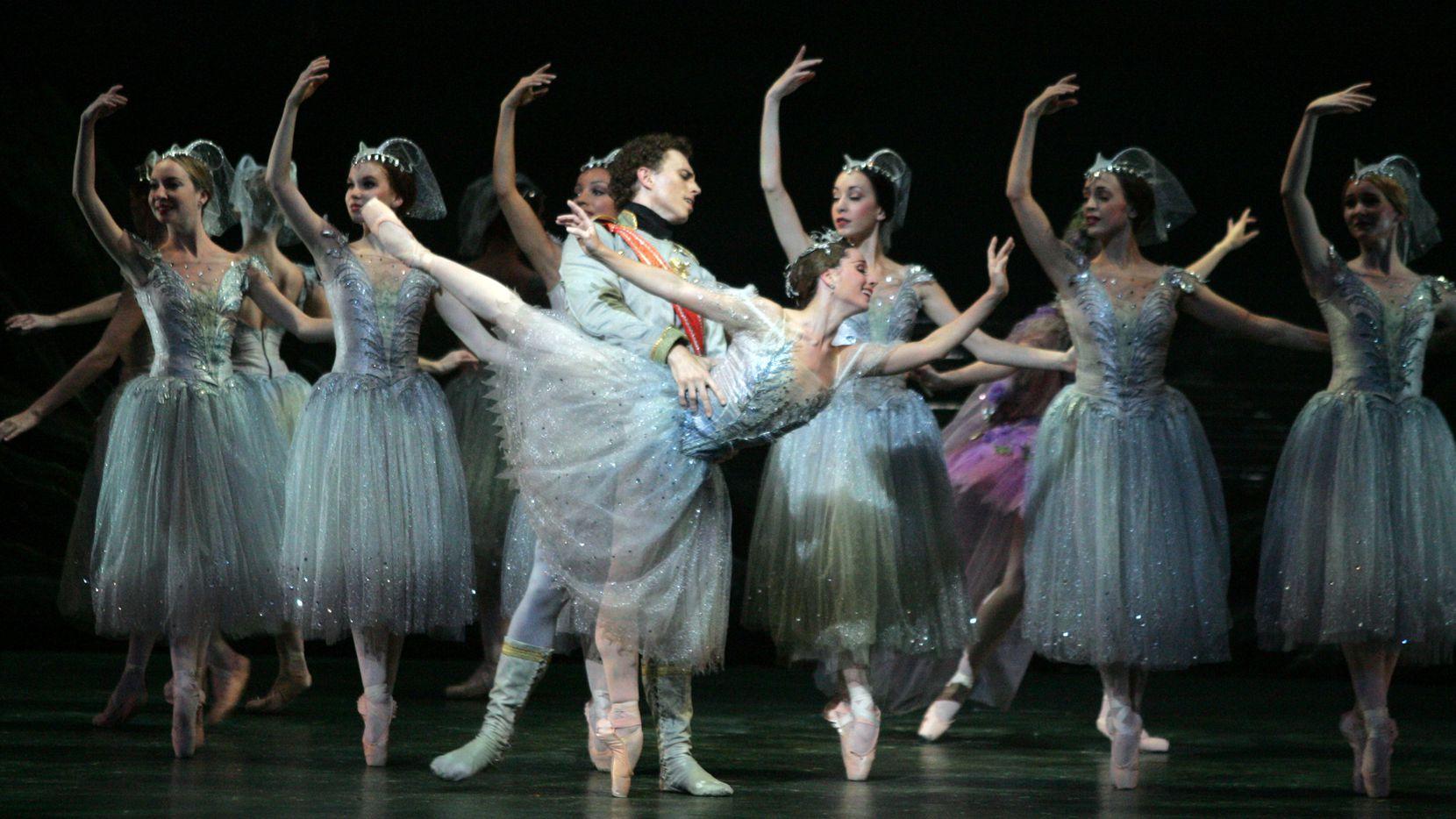 "Texas Ballet Theater presenta ""The Sleeping Beauty""."