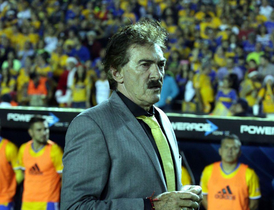 Ricardo La Volpe le dio el crédito a su plantel, el cual mantuvo el invicto en la Liga luego de 13 partidos juntos./ AGENCIA REFORMA