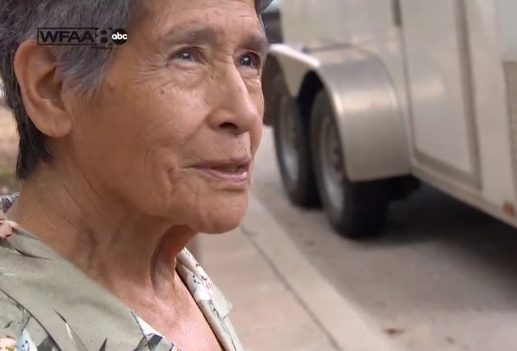 Strader, 81, told WFAA-TV that she just wanted to find somewhere to get a cup of coffee and a sandwich.